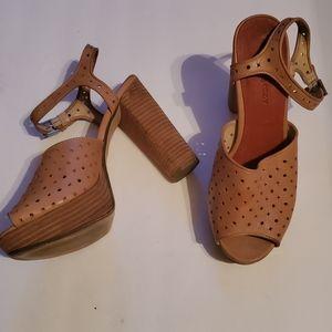Deena & Ozzie Platform Heels size 40